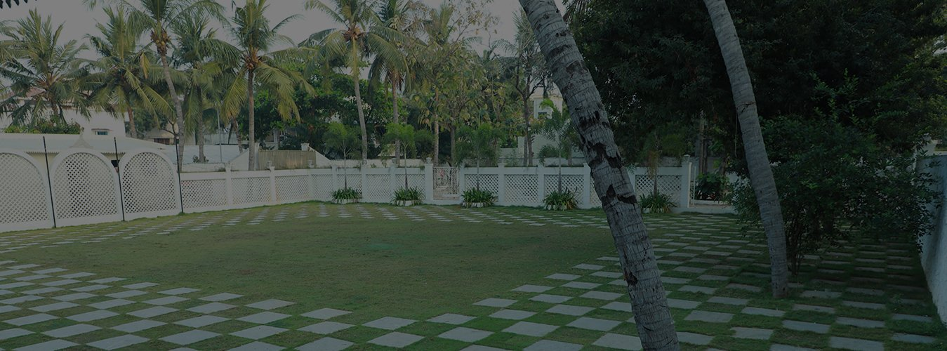 Beautiful Outdoor Lawn at Wedding hall in Chennai